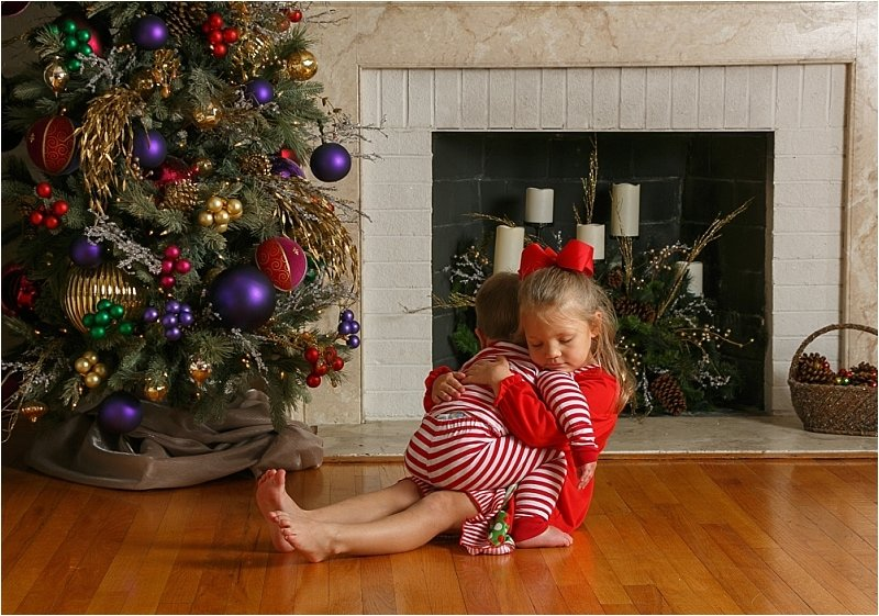 It's Holiday Portrait Time - Call Today
